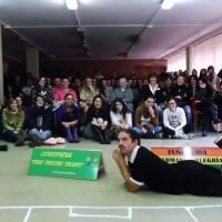 """"""" De penalti"""" en el Instituto López Vicuña."""